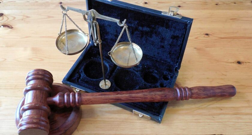 Eksperci twierdzą, że roboty, zastąpią sędziów