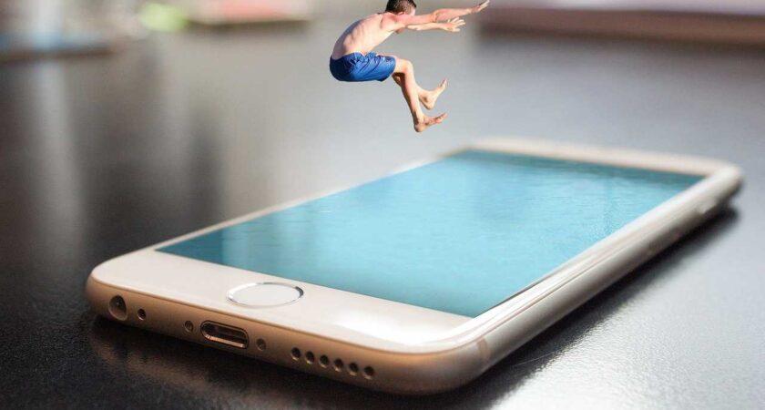 """Apple ma zamiar ogłosić swój nowy """"szybki"""" iPhone 5G 12"""